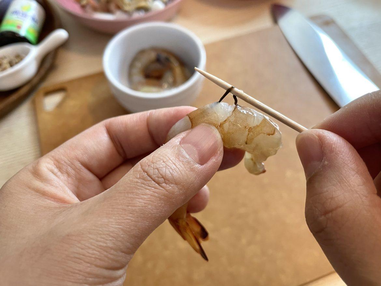 蝦去殻去腸